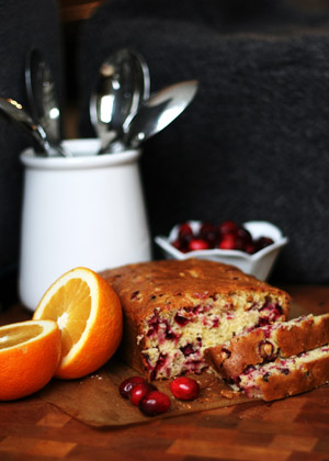 Mama's Cranberry Bread 112614